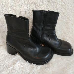 Vintage 90's Steve Madden boots